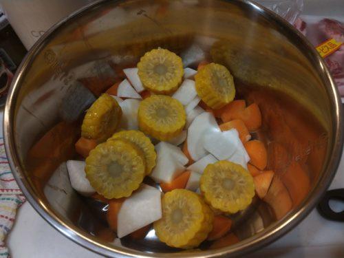 野菜類を内鍋に入れました