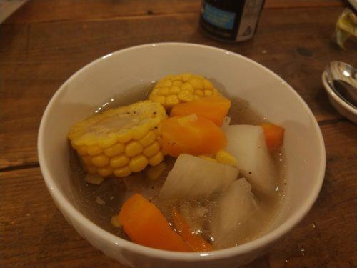 とうもろこしとスペアリブのスープ