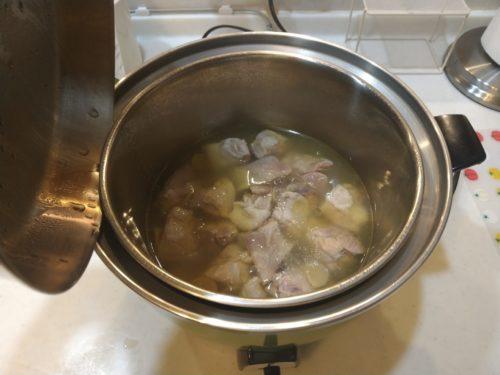 米焼酎で鶏肉を煮る